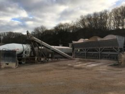 Inline Aggregate Storage Hopper + Belt Conveyor + 2 x Low Level Horizontal Silo 36m³